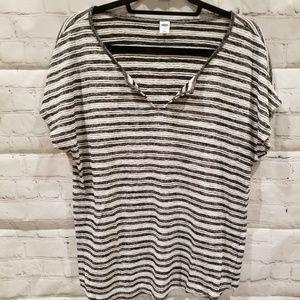 💫New listing ON black stripe tshirt